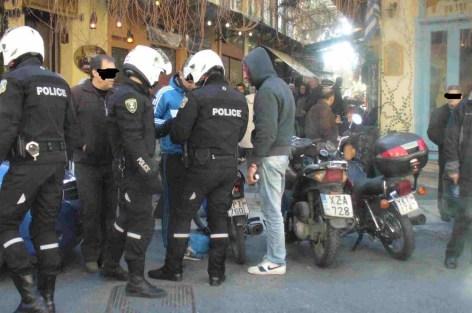 السلطات اليونانية  تلقي القبض على حقوقي سابق بتهمة تنظيم الهجرة السرية و الاتجار في البشر.