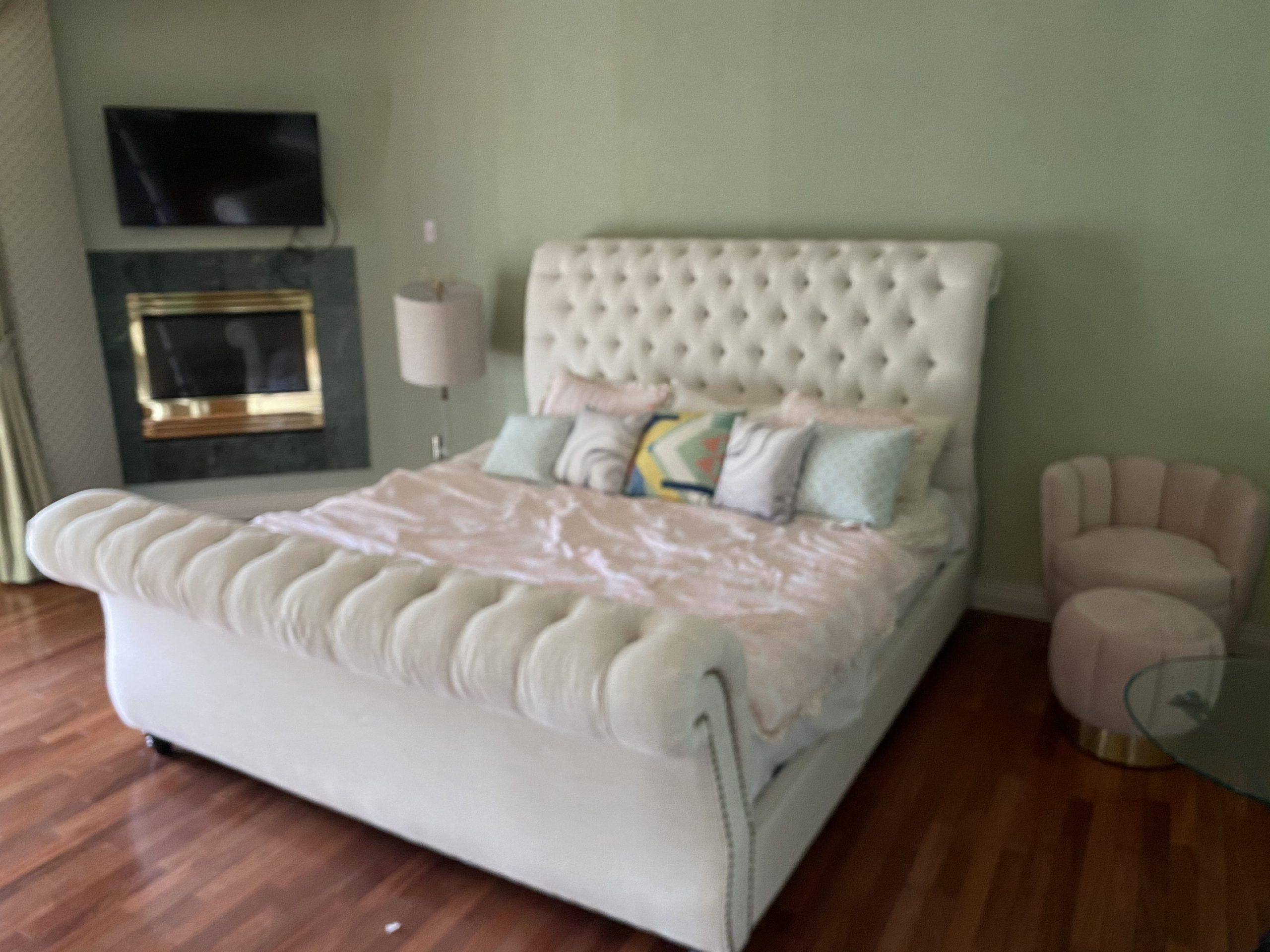 guest bedroom 8625 lakeridge