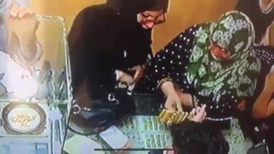 Photo of عملية سرقة ضبطتها كاميرات المراقبة في محل للصاغة بالدرباسية شمال الحسكة