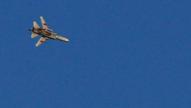 "Photo of الاحتلال ""الاسرائيلي"" يستهدف طائرة سورية أثناء عملية عسكرية لها ضد ""داعش"""