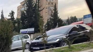 """Photo of سيارة """"تيسلا"""" الكهربائية في دمشق.. والسوريون: كيف بيشحنها؟"""