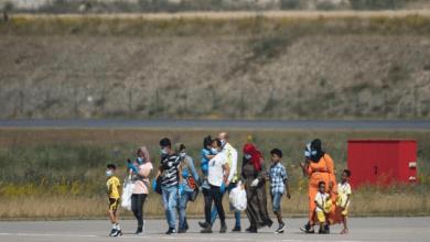 "Photo of سياسيون أوروبيون يطالبون بترحيل اللاجئين السوريين ""الخطيرين"""