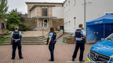 Photo of بينهم مراهق سوري.. القبض على 4 مشتبه بهم بالتخطيط لهجوم على معبد يهودي في ألمانيا