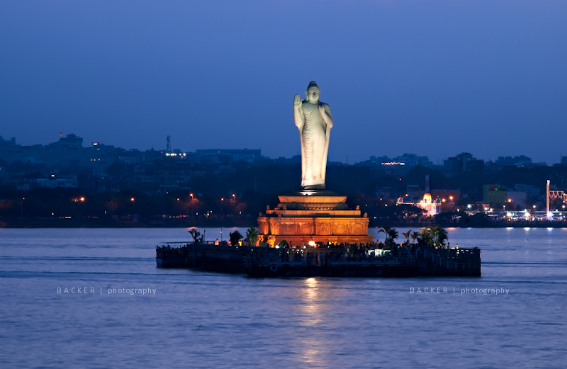 Hussain Sagar Lake - Source: alkhalifaholidays.weebly.com