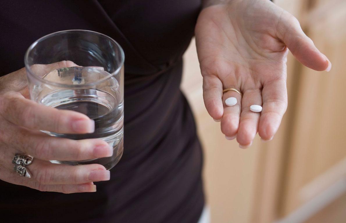 Можно ли принимать де-нол вместе с алкоголем одновременно