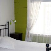 green_bed_1200