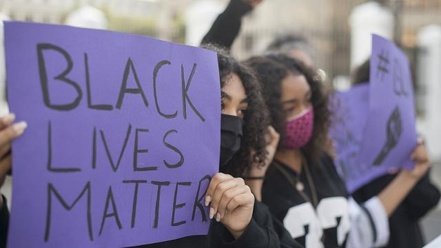 「Black Lives Matter」抗議が南アフリカに上陸