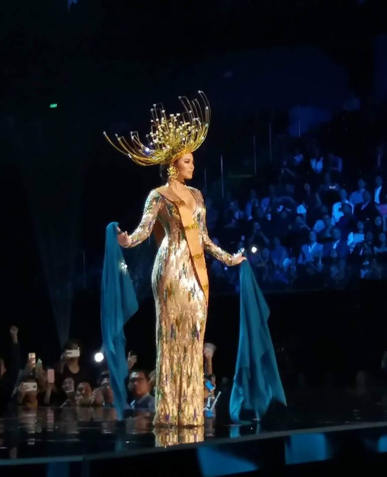 maxine medina national costume