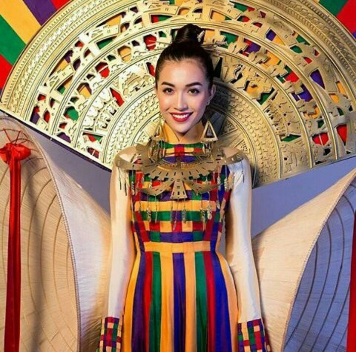 Miss Universe Vietnam 2016 National Costume for Miss Universe 2016
