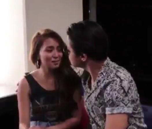 Daniel Padilla Tries to Kiss Kathryn Bernardo