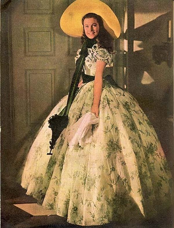 Платье Скарлетт О'Хара белое с зеленым