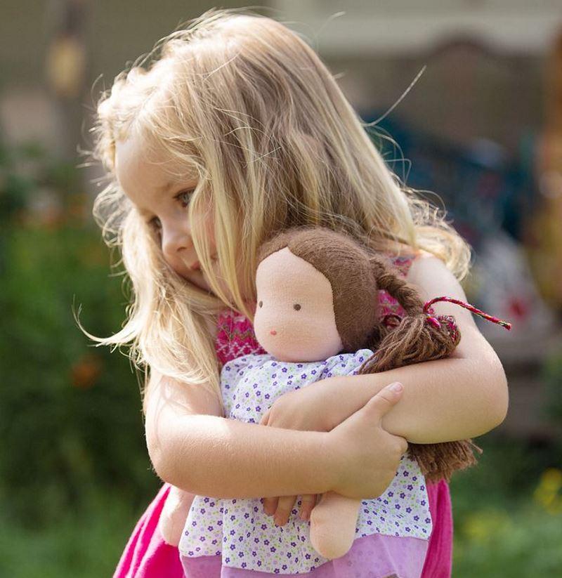 Вальдорфская кукла шьется из трикотажного полотна