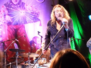 Robert Plant singing with Band Of Joy