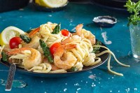 Lemon Garlic Shrimp Linguine | All that's Jas