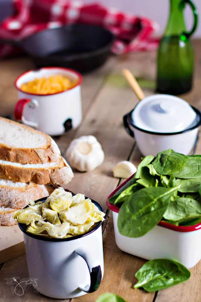ingredients for spinach and artichoke grilled cheese