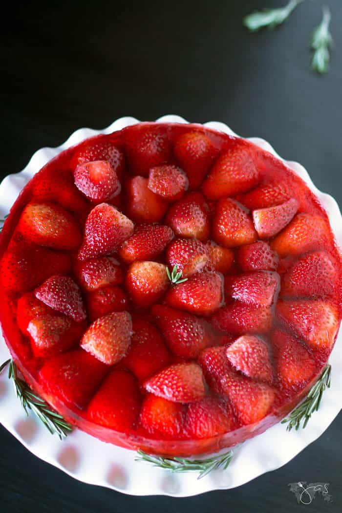 Strawberry, apples, and oatmeal cake with jello