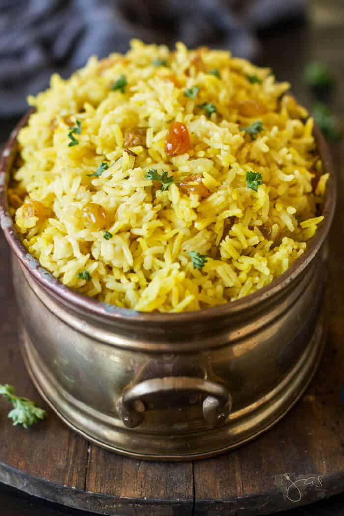 Yellow rice with sultanas - South African style recipe