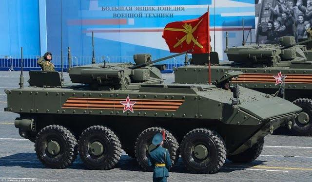 Броневая машина пехоты К-17 «Бумеранг» на параде Победы