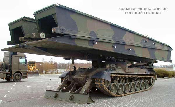 Танковый мостоукладчик BIBER