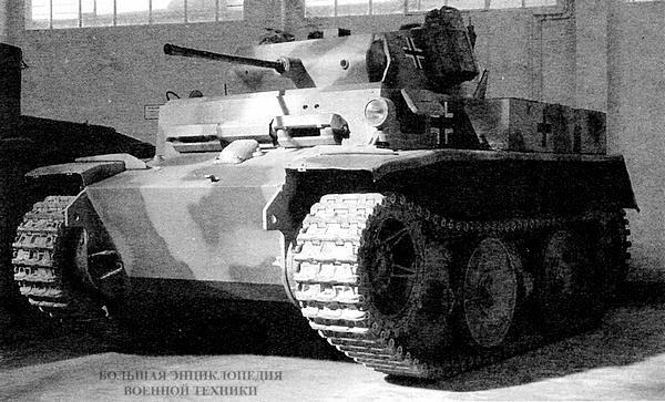 Восстановленный Luchs находится в экспозиции танкового музея в Самюре