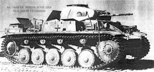 Pz.II Ausf.F подбитый в Ливийской пустыне. 1942 год