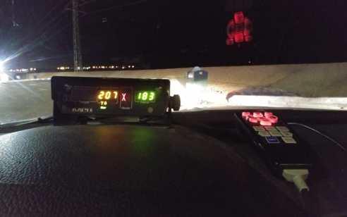 """בן 24 נתפס נוהג כביש 90 במהירות 207 קמ""""ש"""