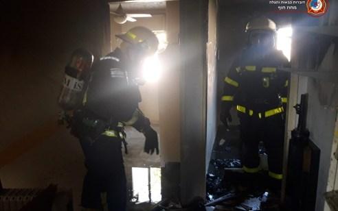 פצוע בינוני משאיפת עשן בדירה בבית אלעזר בחדרה