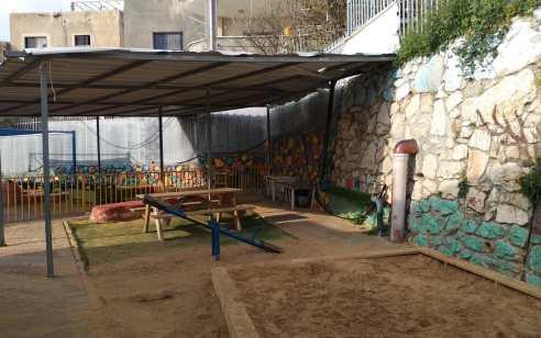 נשק אותר מוסלק בתוך גן ילדים בג'אסר א זרקא