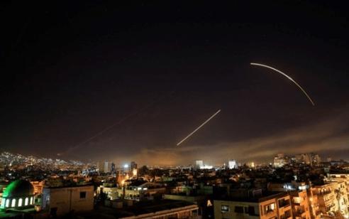 מרכז המעקב הסורי: לפחות שבעה הרוגים בתקיפה הישראלית בחלב מהכוחות האיראניים/מיליציות פרו איראניות