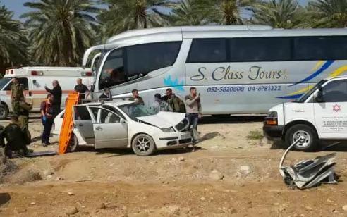 6 פצועים חלקם במצב קשה בתאונה בין רכב פרטי לאוטובוס בכביש 90 סמוך לקיבוץ קליה