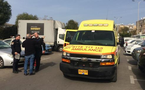 2 אנשים שישבו על ספסל נפגעו מרכב שאיבד שליטה בחיפה