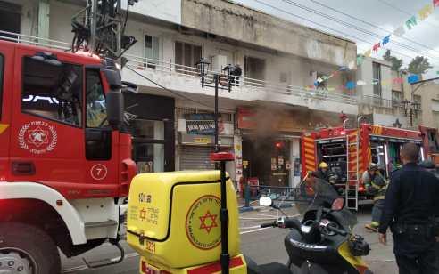 7 פצועים בשריפה בדירה בפתח תקווה