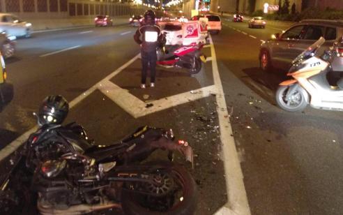 נקבע מותו של פצוע קשה שנפגע בתאונת בין אופנוע ורכב בכביש 20 סמוך למחלף דב הוז
