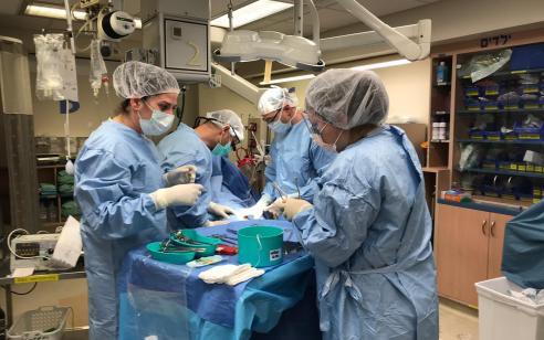לראשונה במרכז הרפואי איכילוב בוצע תהליך הנצלת כליות לצורך תרומת איברים מנפטר כבר בחדר המיון
