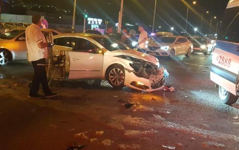 צעיר בן 21 נפצע בתאונה בין אופנוע לרכב רכב בצומת מג'ד אל כרום