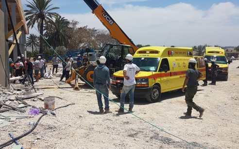 פצועים קשה ובינוני כתוצאה מנפילה מגובה באתר בניה בחמי יואב