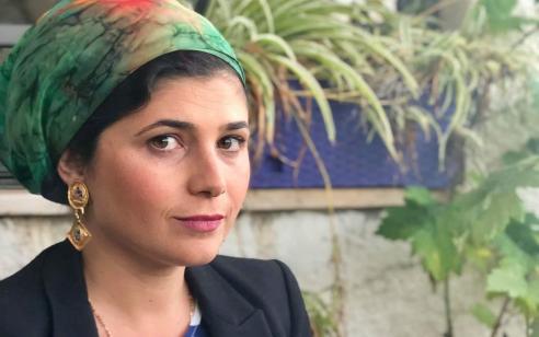 כאות מחאה על הביקורת ההזויה כלפי לינור אברג׳יל: ח״כ שרן השכל תלך עם כיסוי ראש