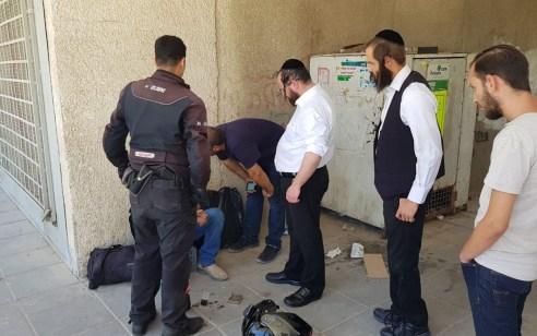 לאחר מעקב: שני ערבים נעצרו בחשד לגניבת עגלות ילדים בבני ברק