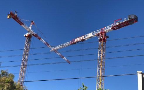 אחרי האסון ביבנה: הפעילה מנוף עגורן באתר בנייה בת״א ללא רישיון וללא הסמכה ונעצרה