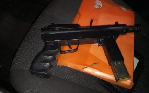 """9 תושבי איכסאל ונאעורה נעצרו במעורבות ב- 7 עיסקאות מכירת כלי נשק מסוג """"קרלו"""""""