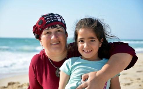 """אם הילדה שנשרפה למחבל: """"אנחנו מרימים את הראש וממשיכים קדימה. עם ישראל חי"""""""