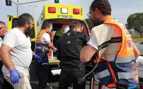 רוכב אופנוע כבן 20 נפצע קשה בתאונה בצומת דגן