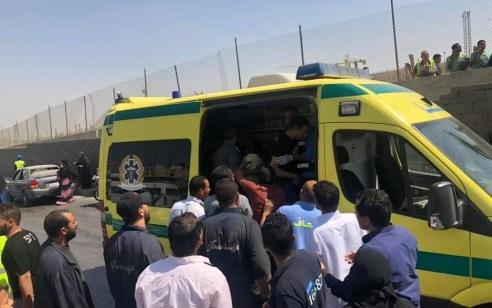 17 פצועים בפיצוץ אוטובוס תיירים ליד הפירמידות במצרים – אין נפגעים ישראלים
