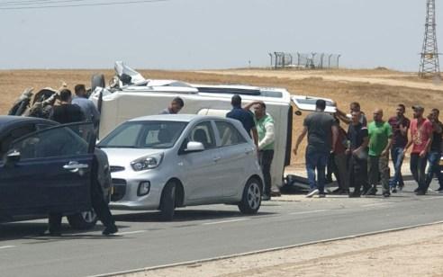 ילד כבן 6 נפצע בינוני ושישה נוספים קל בהתהפכות רכב הסעות בכביש 31 סמוך לצומת להבים