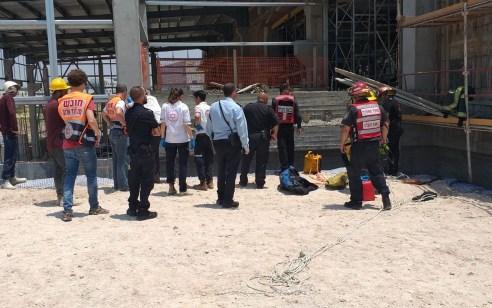 מודעין: פועל נפצע בינוני עד קשה לאחר שנפל מגובה באתר בנייה