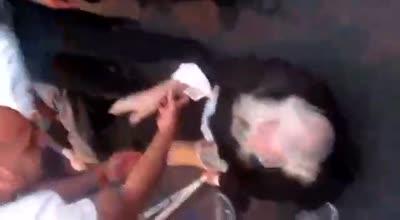 """תיעוד: שוטרים תקפו נכה בלירגל בהפגנה בבית שמש – המשטרה: """"ניסיון מכוער להכפיש את השוטרים"""""""