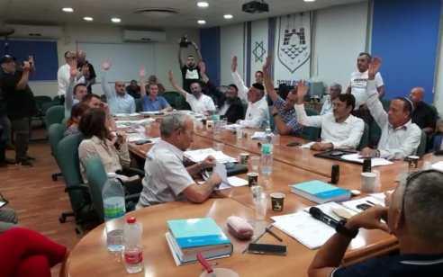 שוב ראש עיריית טבריה רון קובי ניסה להעביר את התקציב ולא הצליח – שר הפנים אריה דרעי נתן לו ארכה נוספת