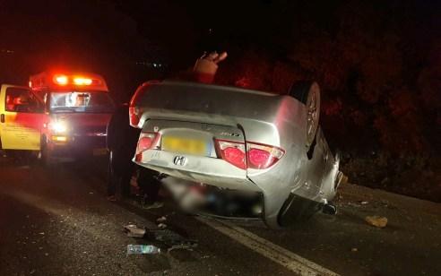 4 פצועים בינוני, בהם ילד וילדה כבני 10, בהתהפכות רכב בכביש 854 ממגדל תפן לכפר ורדים