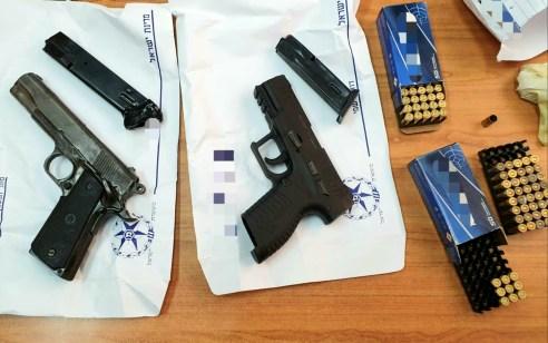 2 אקדחים, רימוני הלם ותחמושת רבה מוכנים לשימוש אותרו בבית מגורים בתל אביב
