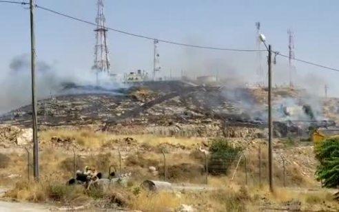 ערבים הציתו שריפה במוצב גאליס מעל קריית ארבע – נגרם נזק, אין נפגעים
